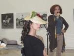 Sombrero de paja cosida; modelo: Elena Outeiriño