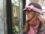 Sombrero de fieltro modelo cloche con cinta de raso