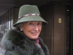 vista derecha del sombrero de caza