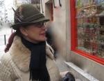 Sombrero de caza austriaco para dama con adorno de plumas y cordón
