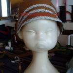 Sombrero de la Semana 46:Cloche de fieltro para niña.