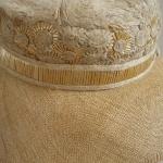 Detalle del sombrero de paja